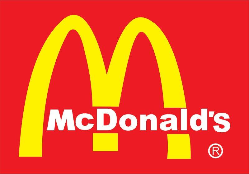 Чикенбургер или Чизбургер в подарок за покупку в Макдоналдс по 31 октября 2019 года